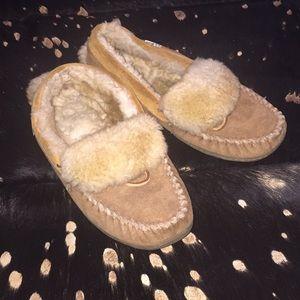 LL bean fuzzy slippers